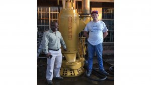Mr. Christopher Chakawodza from Octéa Group and Mr. Marius Sunkel from Hazleton Pumps at the HAZLETON PUMPS test facility.