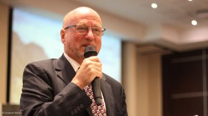 Derek Hanekom also resigns from Parliament, looks set for new posting