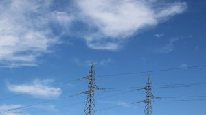 Mayor signs deal to resolve Joburg electricity problems